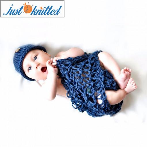 Newborn crochet clothes